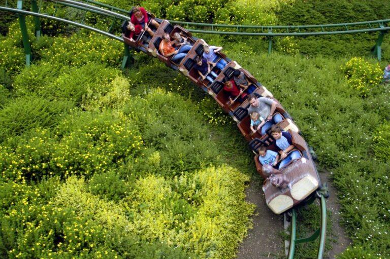 Freizeitpark Lochmühle Achterbahn im Grünen