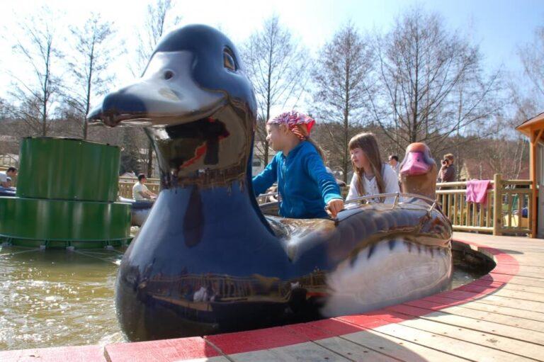 Freizeitpark Lochmühle Attraktion mit Kindern