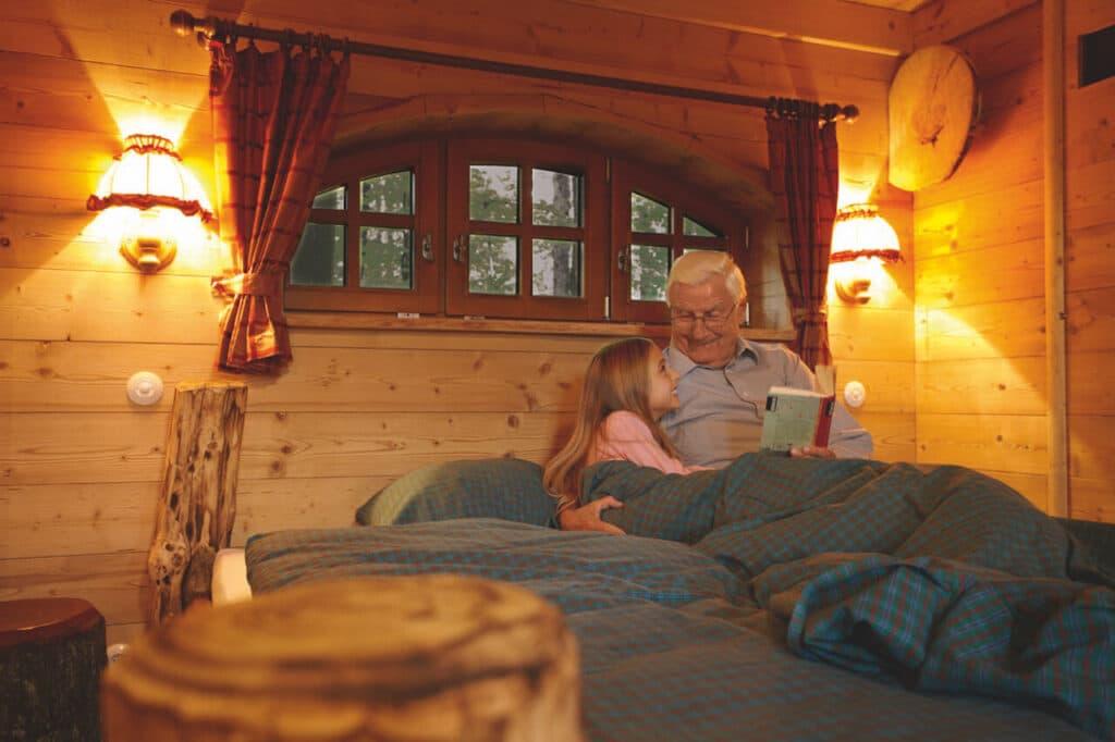 tripsdrill_presse_Natur-Resort__Baumhaus_von_Innen_