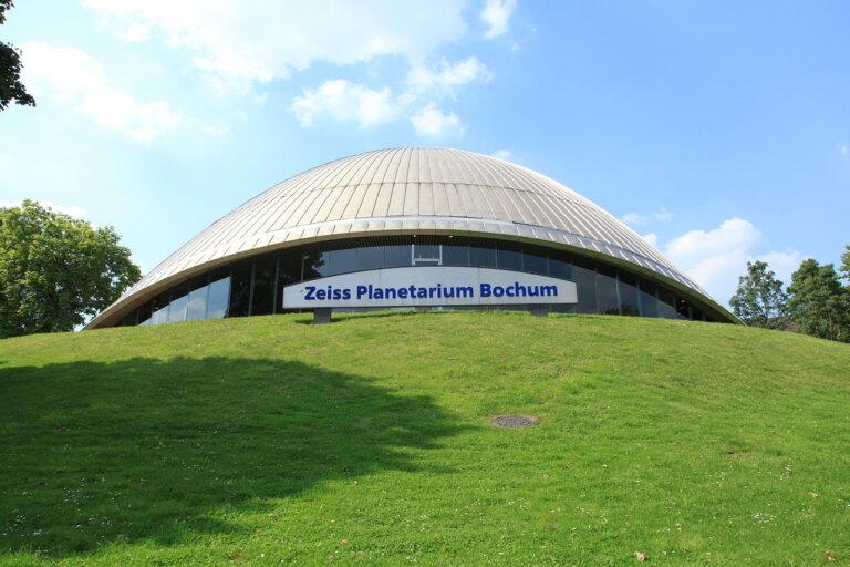 1280px Bochum Castroper Strasse Planetarium 02 ies