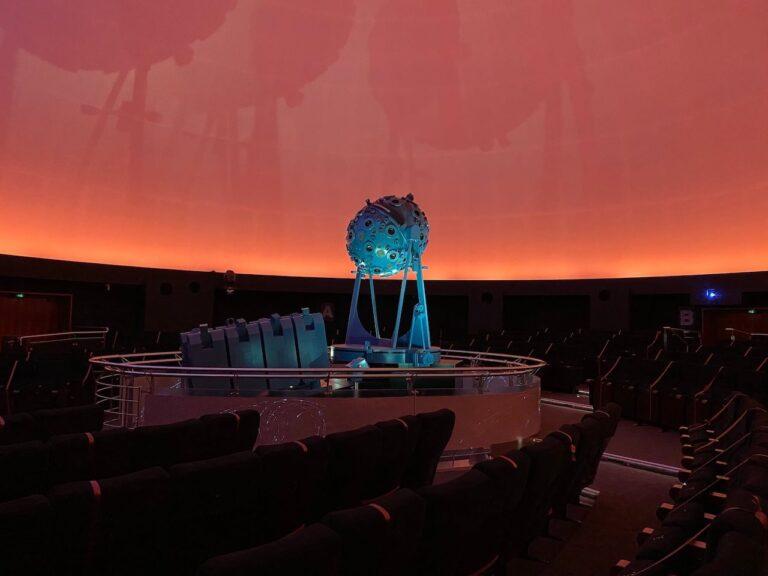 planetarium Bochum innen Saal
