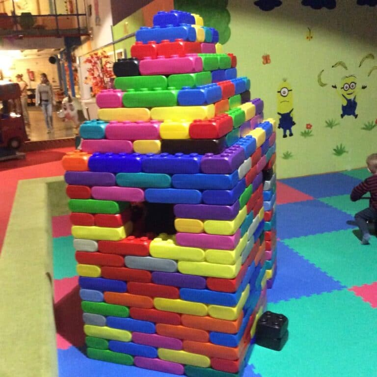 Maxxis Spieleparadieses Lego Turm