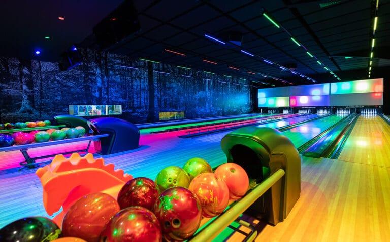 rhoen park aktiv resort bowling im wald bowling 72dpi