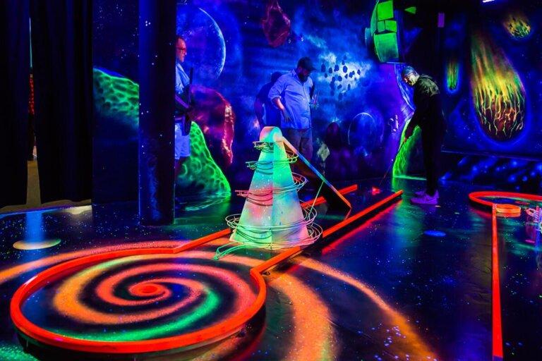 Glowzone Minigolf Düsseldorf