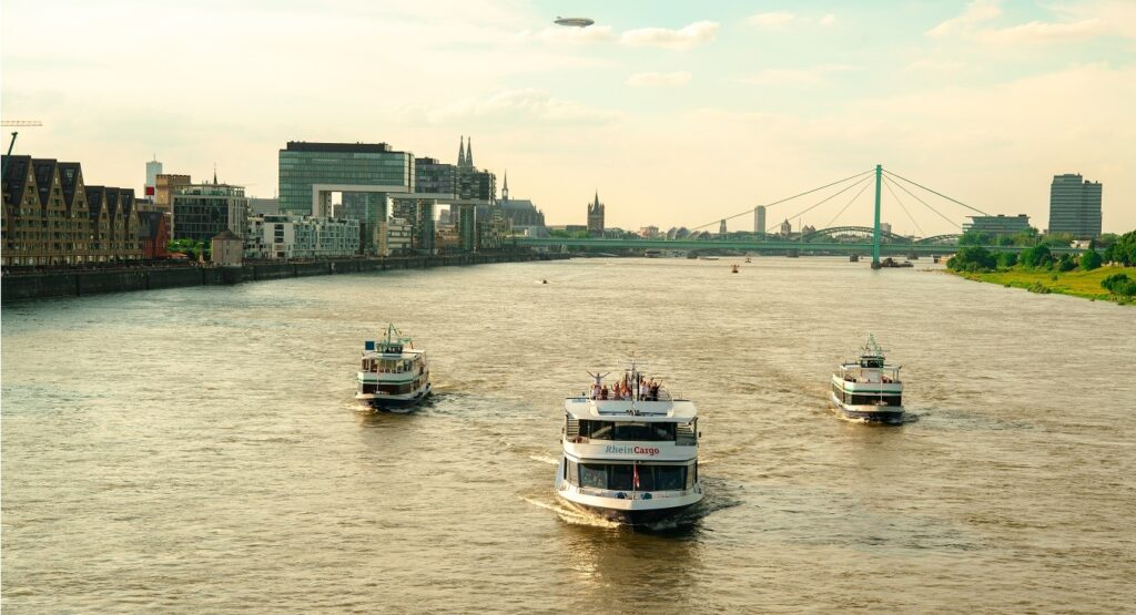 Köln Tourist Schifffahrt