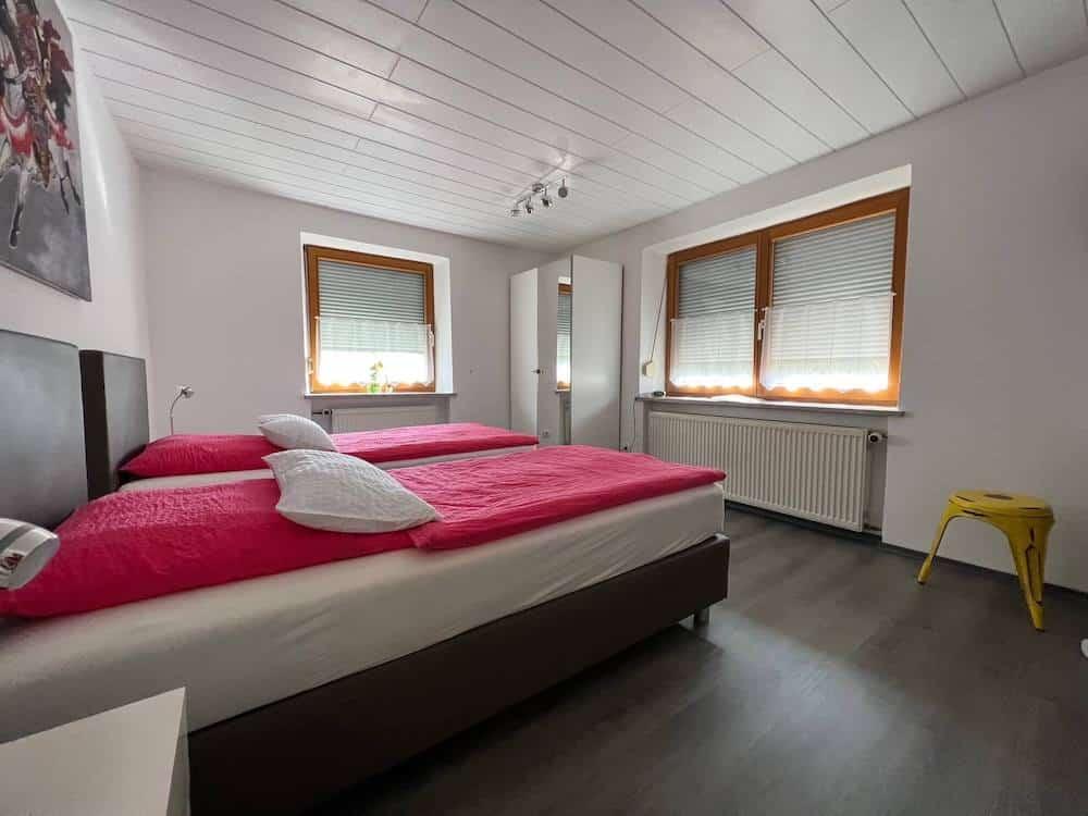Gästehaus Nicole Burgau Schlafzimmer 2 Betten